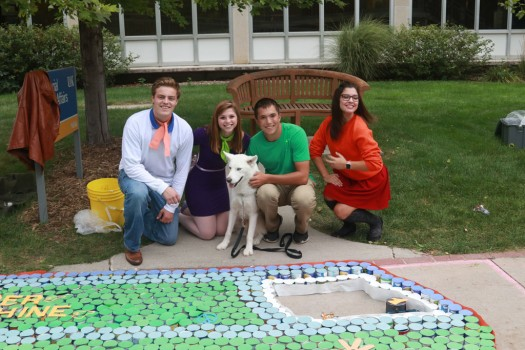 PHOTO GALLERY: Homecoming Canned Food Build