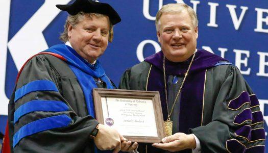 Sam Umland receives Holdt Distinguished Faculty Award