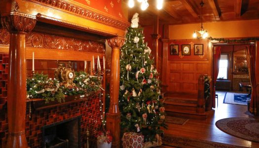 Holiday trips to UNK's Frank Museum include cider, hot cocoa for guests