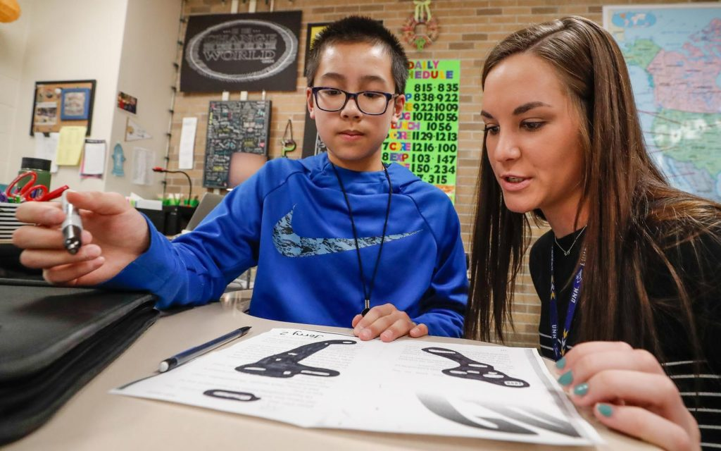 CLASSROOM COLLABORATION: UNK math students tutor at Horizon Middle ...