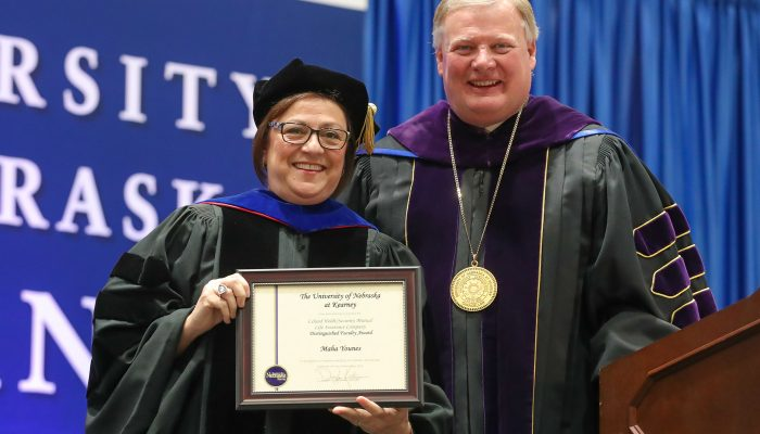 Maha Younes – a 'progressive leader' and 'first-rate teacher' – receives Holdt Distinguished Faculty Award