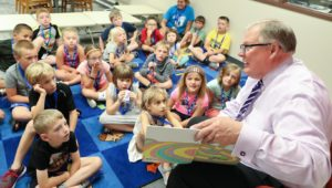 University of Nebraska at Kearney reads one of his favorite books,