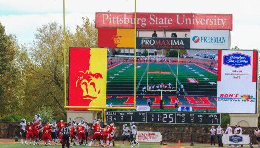 UNK vs Pitt State (50)