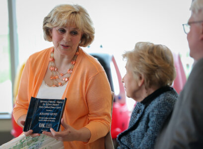 Roxanne Vipond recognized with UNK's Early Childhood Pioneer Award