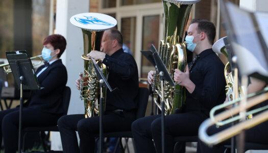 Wind Ensemble outdoor concert-11